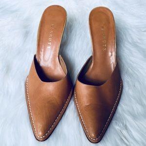 ❗️Farrutx Italian Leather Point Heel MSRP $139!